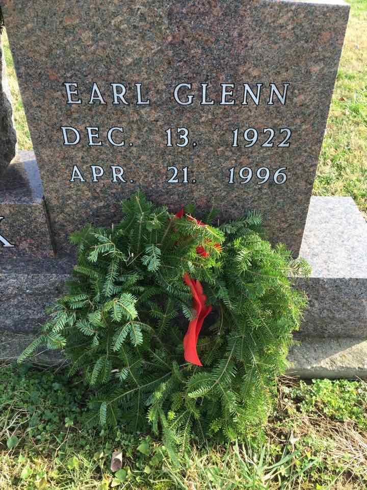 Earl Glenn's gravesite (LWAC with Wreaths across America)